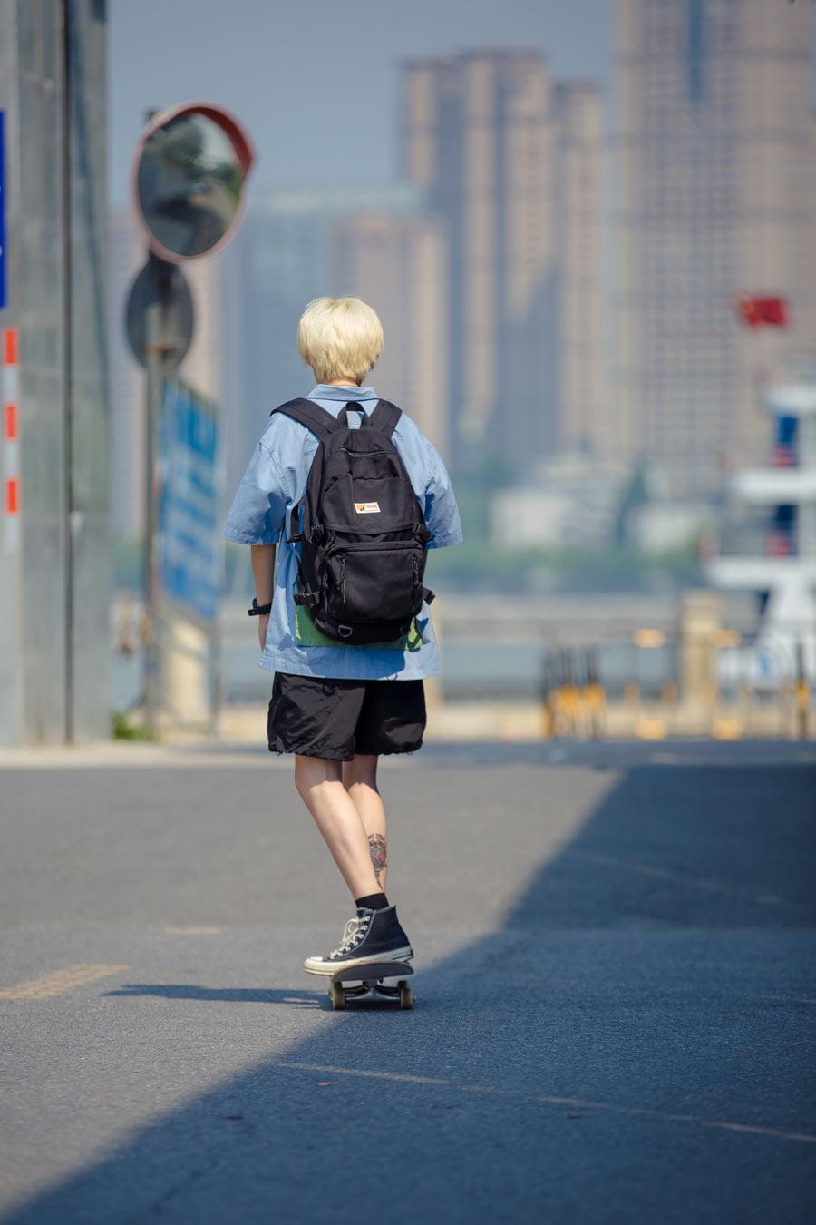拥抱夏天 !日系滑板少女