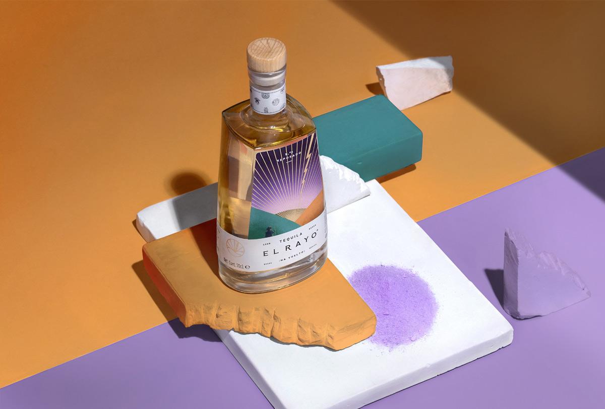 故事插画!酒类瓶子包装设计