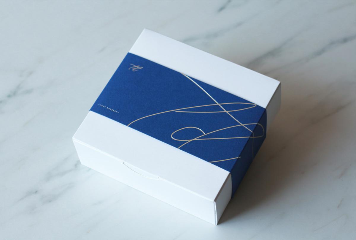 干净白蓝!甜点包装设计
