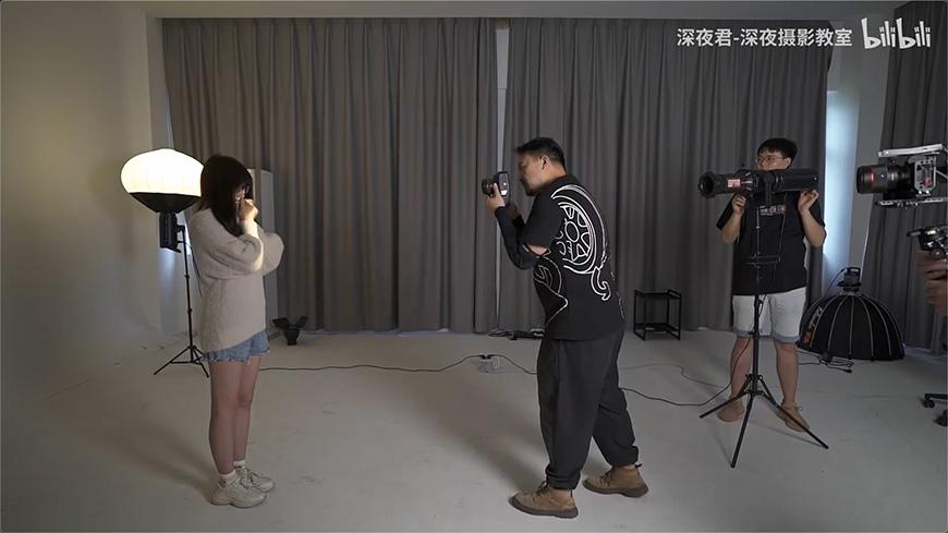 摄影教程!如何用一种布光拍出两种不同时尚感?