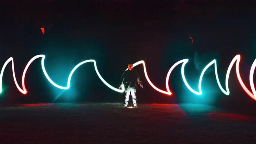 摄影教程!如何拍出超级奇妙的光绘照片?